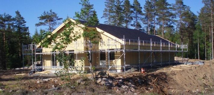 Enplanshus i modern stil stomrest i Alingsås