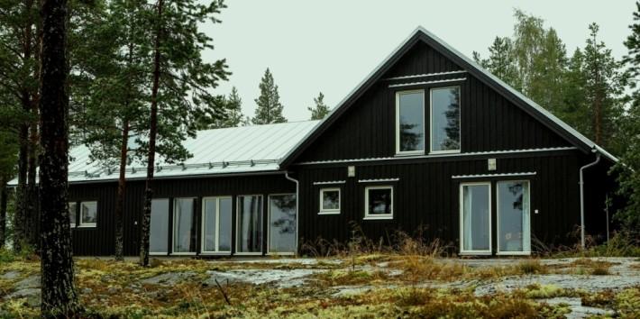 Svart hus Villa Järnäs